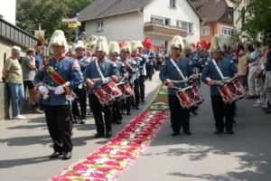 Fronleichnam-Prozession mit Sipplinger Bürgermiliz